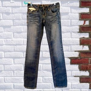 "ANTIQUE RIVET JEANS 27"" Waist Distressed"